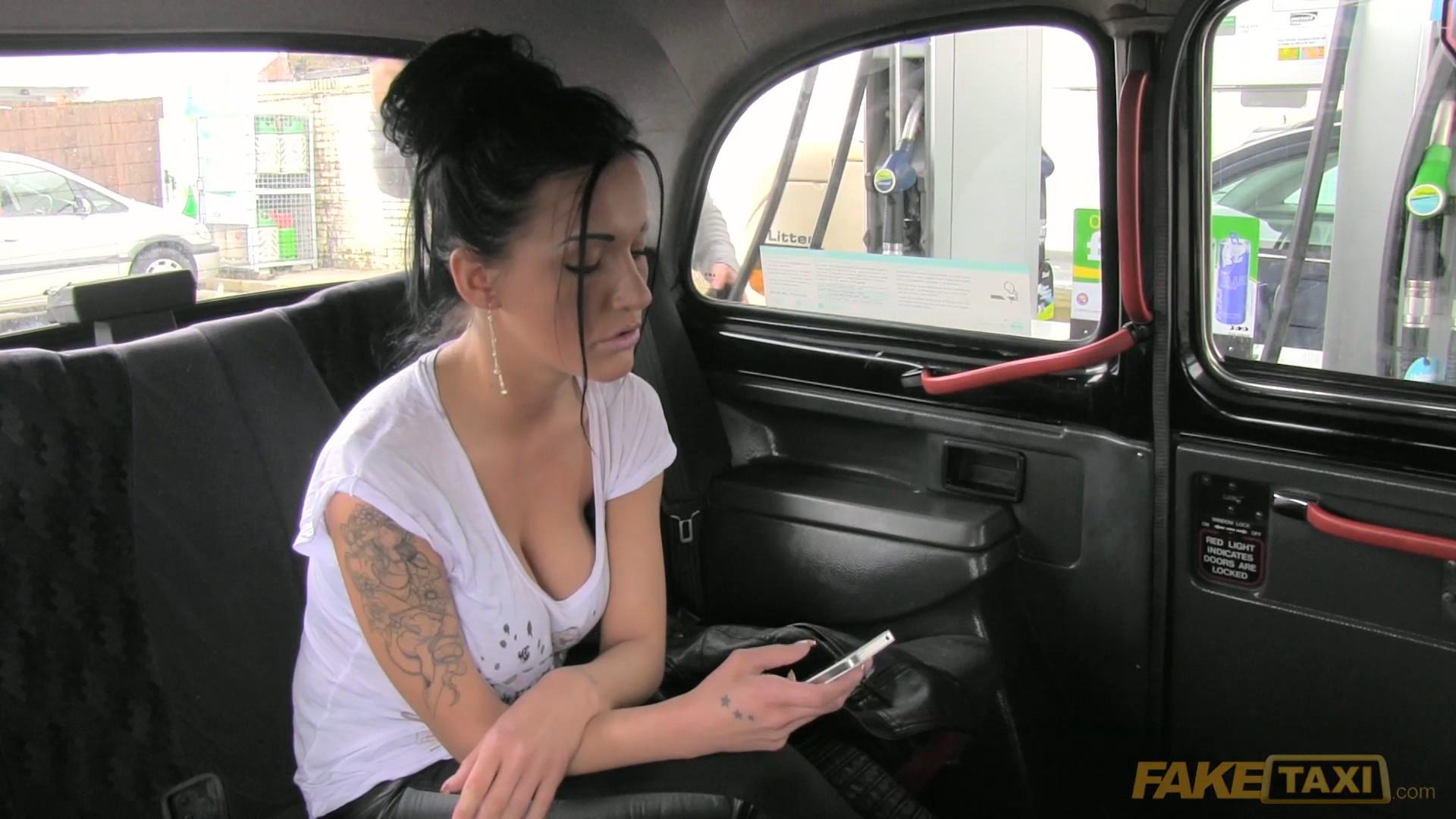 Смотреть порно faketaxi онлайн бесплатно 9 фотография
